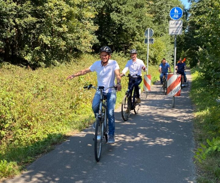 Fahrradtour mit Verkehrsminister Wüst